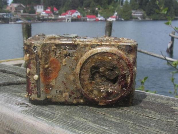 Máy ảnh bị đắm tàu được tìm thấy dưới nước sau 2 năm vẫn còn nguyên vẹn