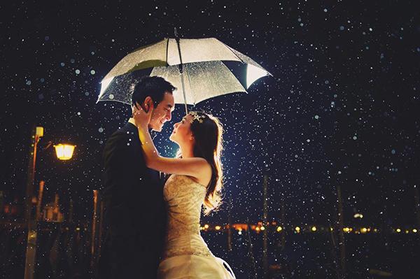 Mẹo chụp ảnh cưới ngày mưa