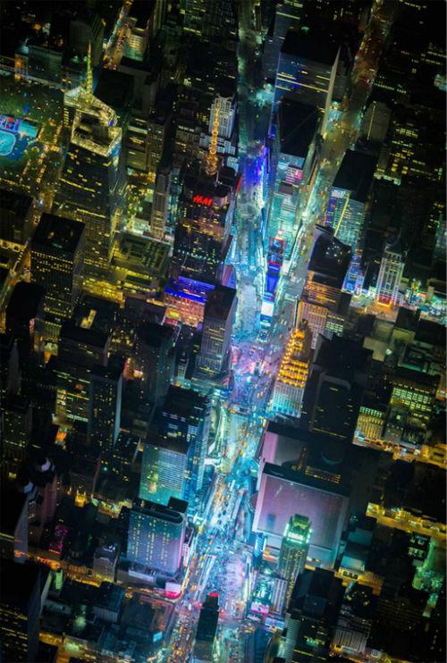Bo-anh-tuyet-dep-cua-New-York-ve-dem-13