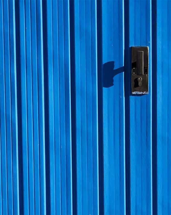 Hypnotic-Blue-by-Essecento