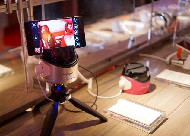 Lenovo ra mắt robot chuyên dụng giúp chụp ảnh 'tự sướng'