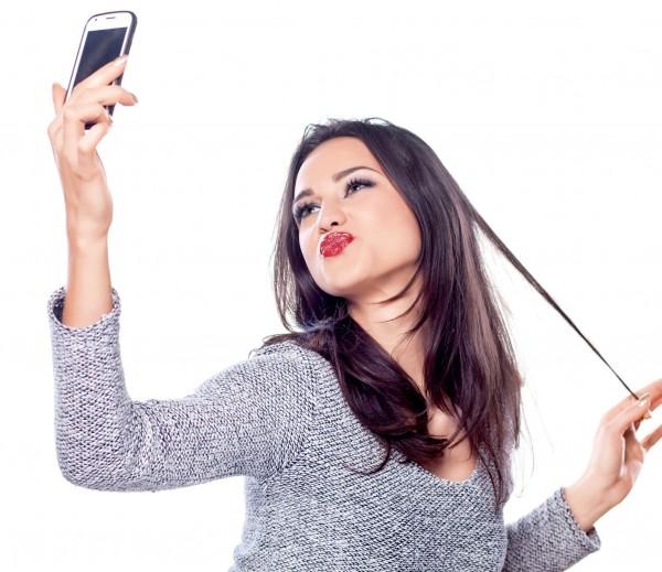 5 tuyệt chiêu giúp bạn chụp ảnh selfie đẹp hơn