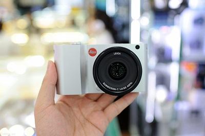 Dap-hop-Leica-T-chinh-hang-104