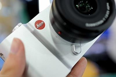 Dap-hop-Leica-T-chinh-hang-134