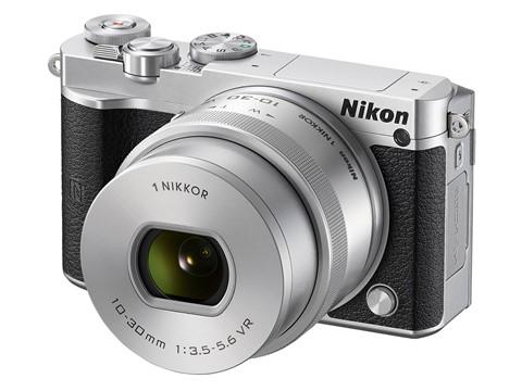Nikon J5 chụp liên tiếp 60 ảnh mỗi giây