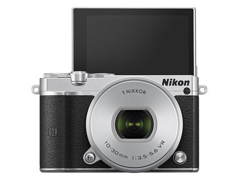 Nikon-1-J5-chup-lien-tiep-60-anh-moi-giay-ra-mat-7