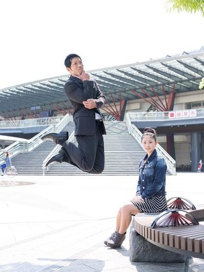 Ông bố Nhật nhảy cao, loạt ảnh gây sốt Internet