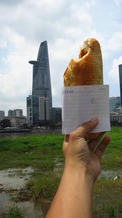Ảnh so sánh tòa Bitexco với ổ bánh mì đoạt giải ba cuộc thi nhiếp ảnh