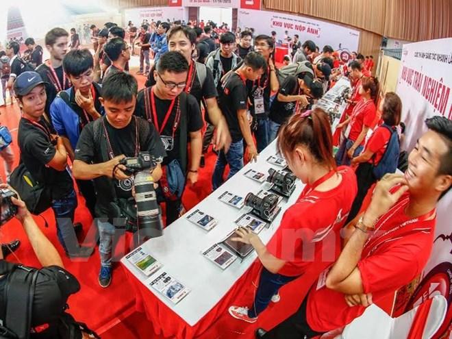 Hơn 5.000 tín đồ nhiếp ảnh tranh tài tại Canon PhotoMarathon 2015