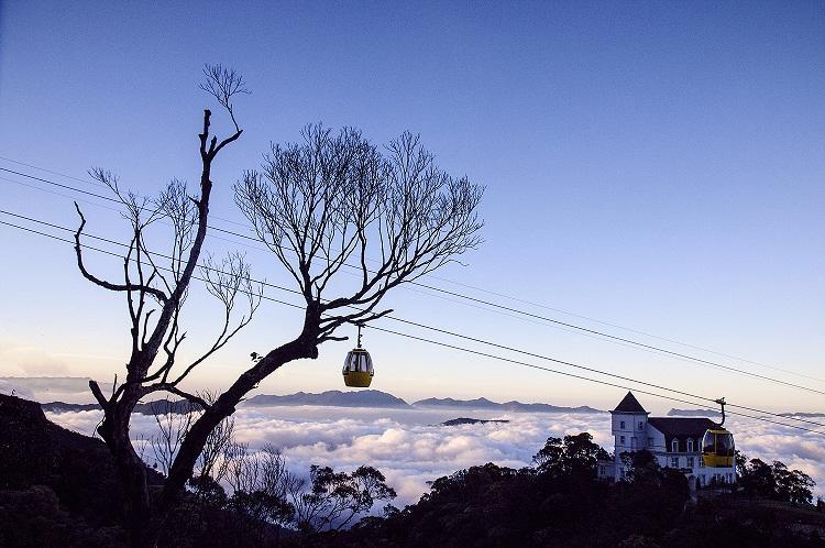 """""""Săn"""" mây trên đỉnh Bà Nà"""
