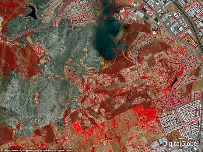 Ảnh chụp San Diego County, California từ trên không ngày 15/5/2014, được sử dụng để theo dõi sự lây lan của đám cháy rừng và đánh giá thiệt hại.