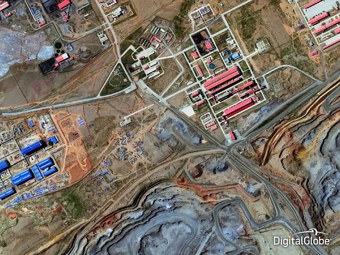 Công ty khai thác mỏ ở Bayan Obo, miền tây Mông Cổ, Trung Quốc.