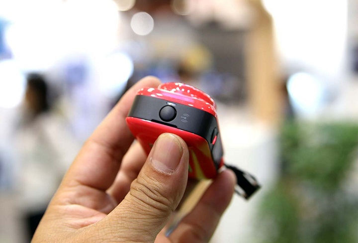 can-canh-chiec-may-anh-ti-hon-hp-mini-wifi-cam-lc200w-8