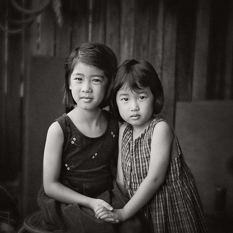 6_meo_chup_anh_den_trang_co_dien_bang_anh_sang_tu_nhien__1_photoZone-com-vn-