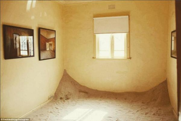 Nhiếp ảnh gia mang 'thị trấn ma' ở Namibia tới Australia