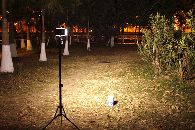 bo-den-led-light-quay-phim-chup-hinh-cn-160ca1
