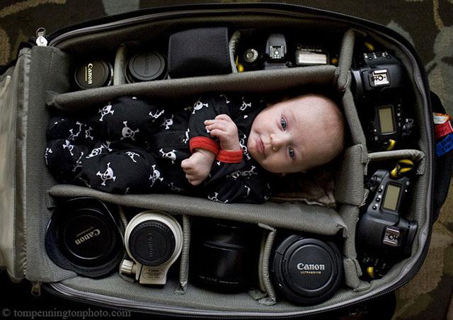 babyincamerabag