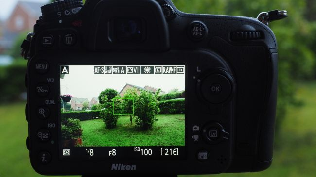lam-the-nao-de-kiem-soat-cac-thong-so-tren-may-anh_photoZone-com-vn 14