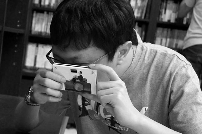 cau-chuyen-ve-chiec-may-anh-lam-bang-giay_photoZone-com-vn 10