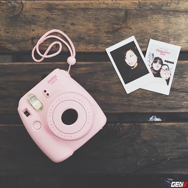 Khám phá chiếc máy ảnh Instax mini 8 dưới góc nhìn của hội con gái