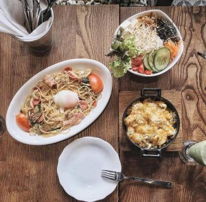ki-thuat-chup-anh-mon-food-flat-lay-photo_photoZone-com-vn- 8