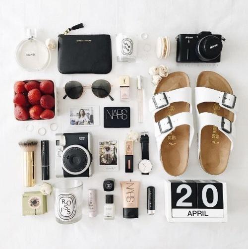 101 Kiểu chụp Flat lay item trang điểm giúp instagram của bạn bừng sáng
