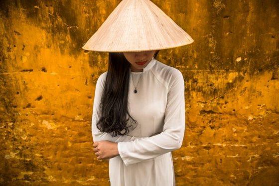 Áo dài qua cách khắc họa độc đáo của nhiếp ảnh gia Réhahn