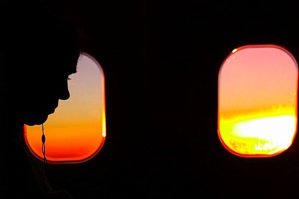 Nếu hay chụp ảnh trên máy bay, hãy đọc ngay bài viết này