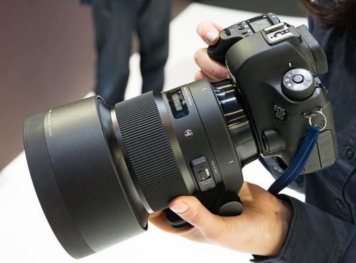 Sigma trình làng bộ đôi ống Macro 70mm f/2.8 Art và ống prime 105mm f/1.4 Art