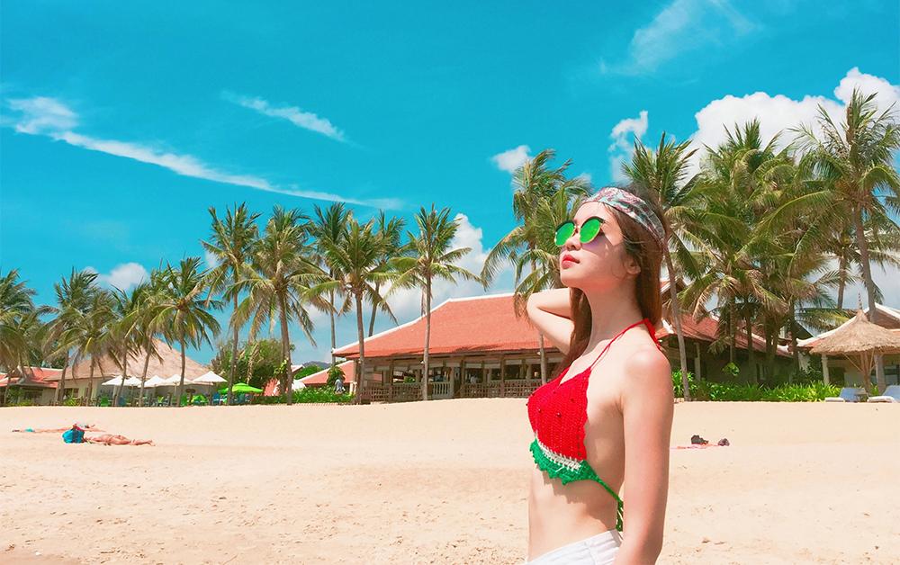 Mẹo nhỏ để chụp ảnh 'sống ảo' với bikini mùa đi biển