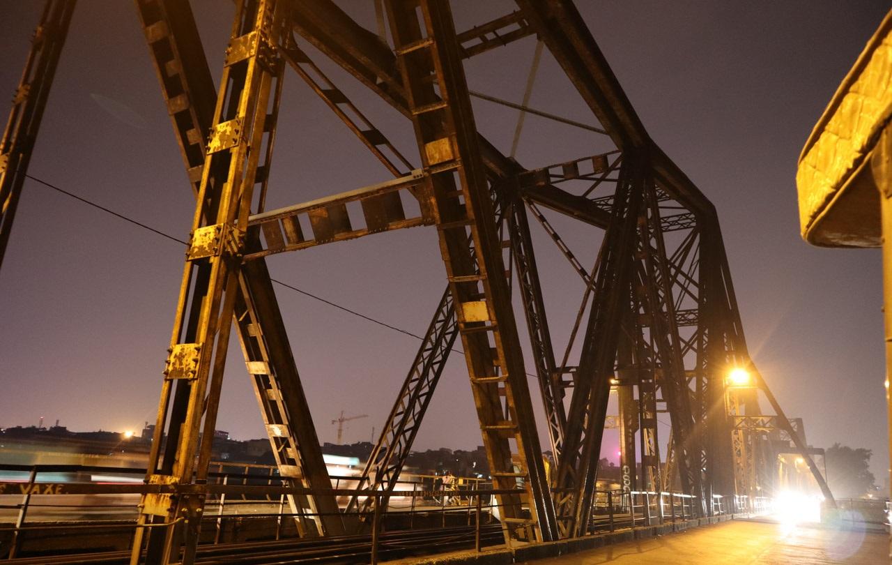 Trải nghiệm Canon M50 với cây cầu trăm tuổi tại Hà Nội