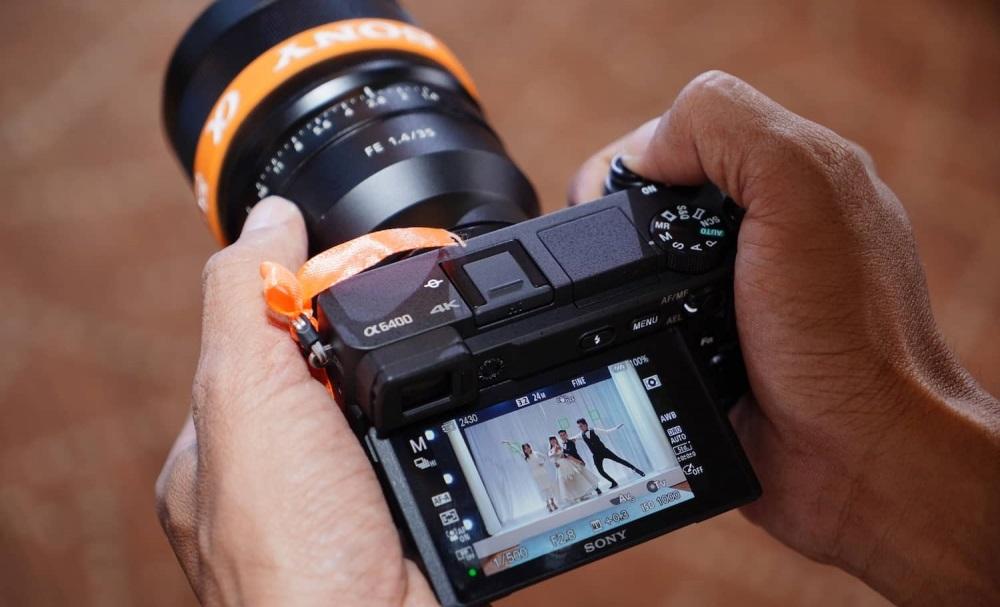 Máy ảnh không gương có tốc độ lấy nét nhanh nhất thế giới có gì đặc biệt?