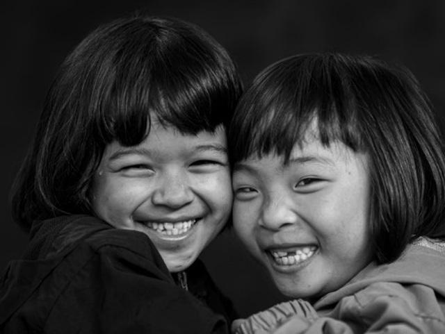 """Nhiếp ảnh gia đi dọc đất nước """"săn"""" những nụ cười"""
