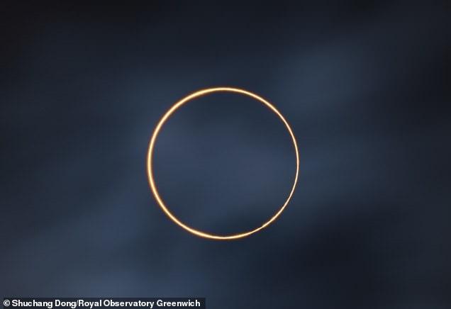 Ngắm chùm ảnh đoạt giải Nhiếp ảnh gia Thiên văn học Hoàng gia Greenwich